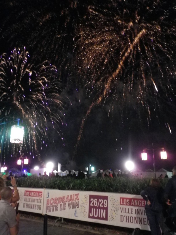Bordeaux fete le vin fireworks