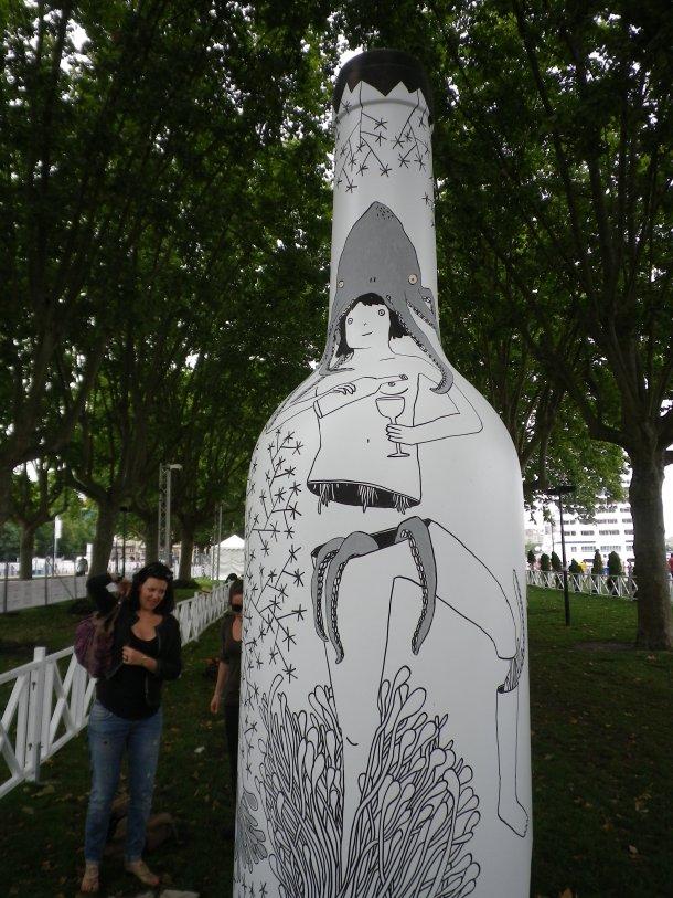 bordeaux fete le vin wine art garden